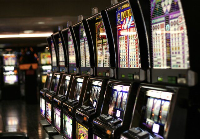 Вращайте и выигрывайте свой первый игровой капитал от лучшего казино СпинВин онлайн