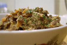 Вкусный и сытный печеночный салат
