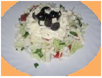 Салат из пекинской капусты с перцем, брынзой и маслинами