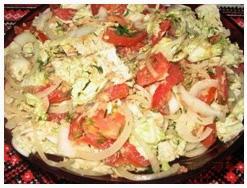 Салат из пекинской капусты, с тунцом и помидорами