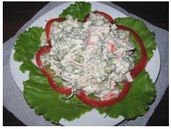 Салат с крабовыми палочками и курицей