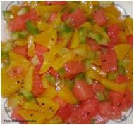 Фруктовый салат с персиком