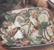 Салат из огурцов и без калорий