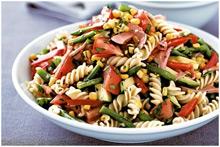 Салт с макарон и овощей