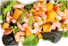 Салат с креветками и дыней
