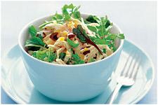 Салат с куриным мясом и оливками