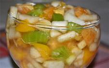 Легкий десертный салат из фруктов