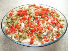 Вкусный салат с курятиной в приправе
