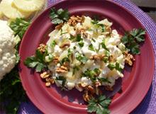 Салат с кольцами ананаса и капустой