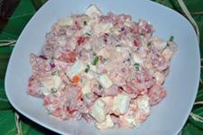 Сытный и легкий салат с брызой и помидорами