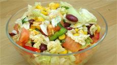 Салат из овощного ассорти и фасоли