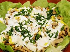 Фото рецепт салата с шампиньонами и кукурузой