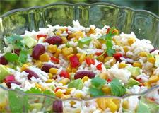 Цветной салат из риса