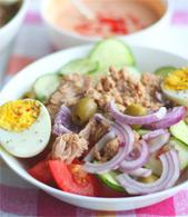 Андалузский салат с соусом
