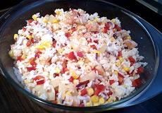 Вкусный салат с креветками и рисом фото