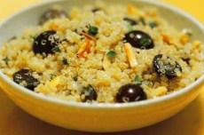 Аппетитный салат с рисом и виноградом фото