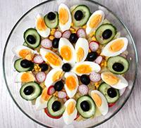 Готовый Французский салат фото