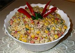 Салат с мясом и подсолнечником