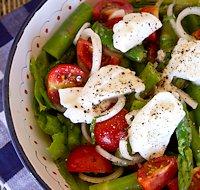 Салат со спаржей и моцареллой фото