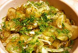 Еще один салатик из огурцов