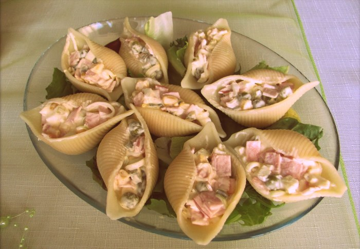 Салат в макаронах-ракушках
