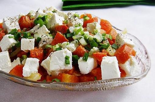 Салат с вареной морковкой и сыром фета