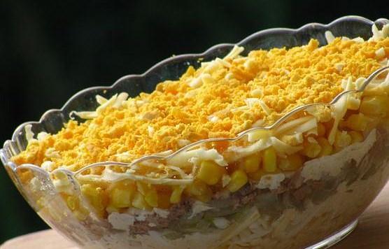 Фото салата с кукурузой и тунцом
