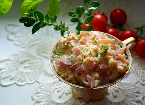 Праздничный салат с ветчиной