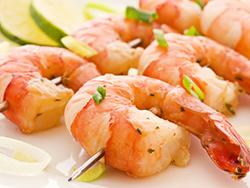 Рецепт нежного салата с креветками