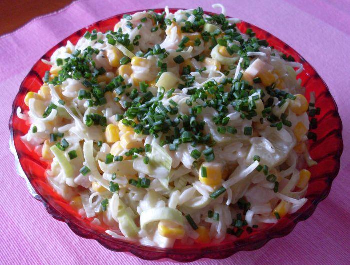 Салат с ветчиной и рисовой лапшой