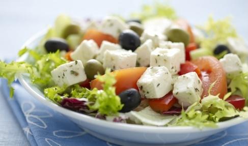 Рецепт классического греческого салата с курицей